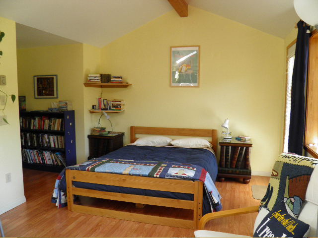 Poetry Room, queen size