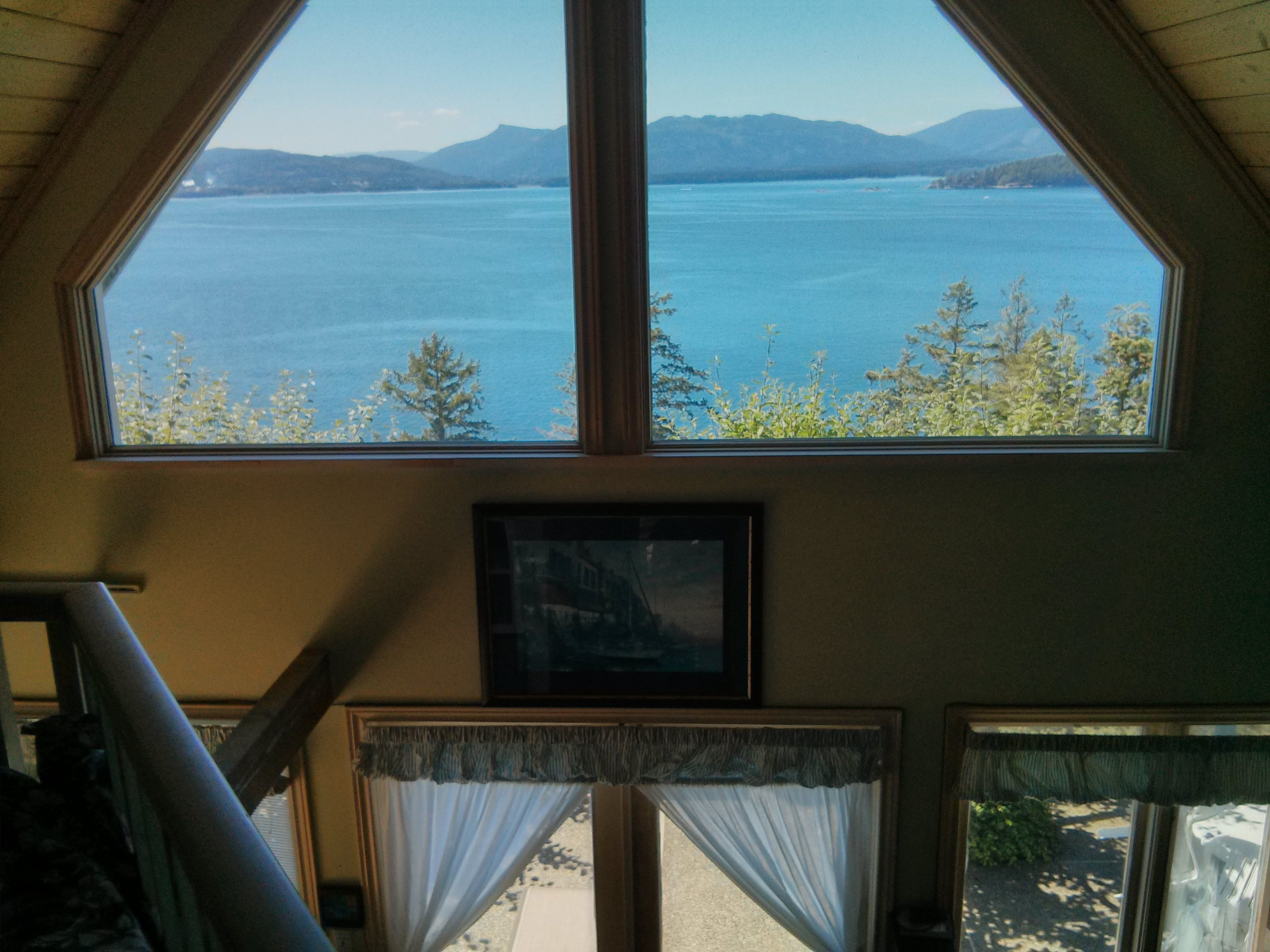 Dogwood Cottage Salt Spring Accommodation Group