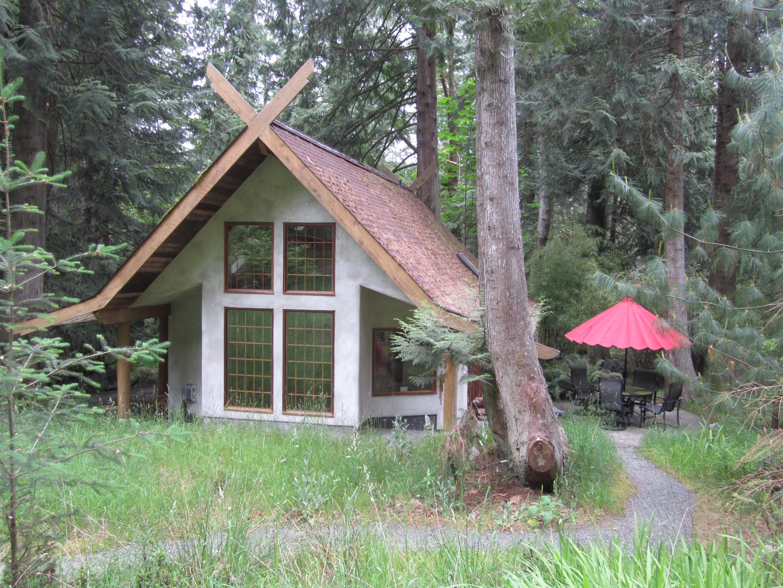 Hot Tub/Sauna Archives - Salt Spring Accommodation Group